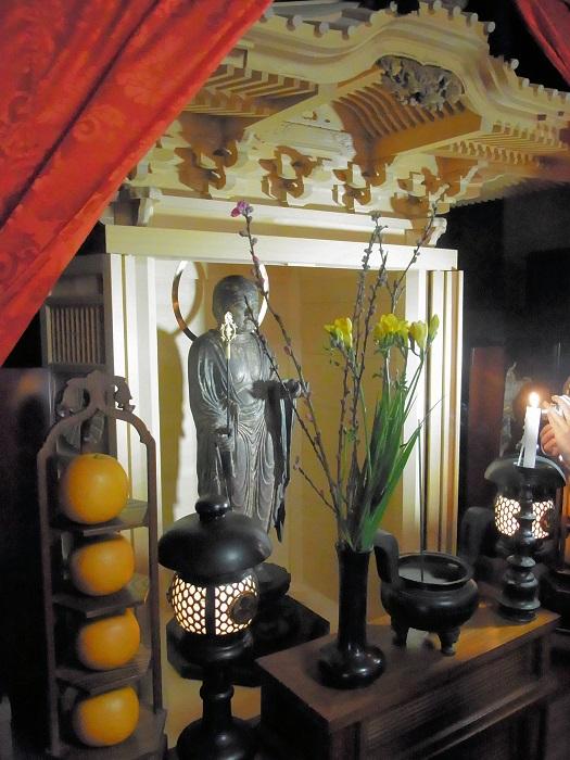 厨子内の地蔵菩薩像