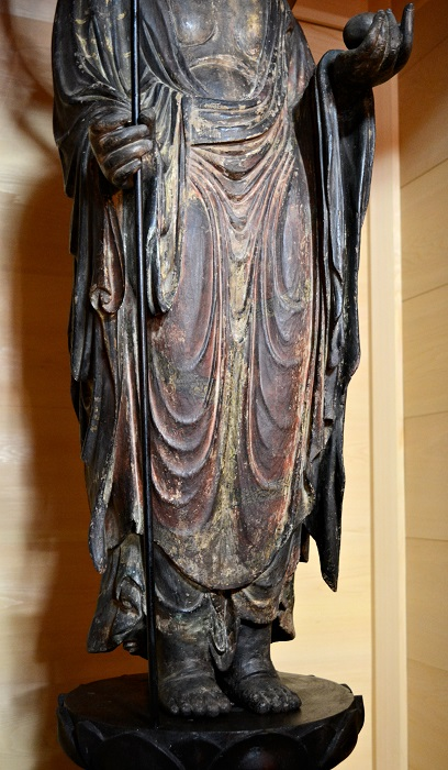 浄山寺・地蔵菩薩立像~胸から脚部の造形