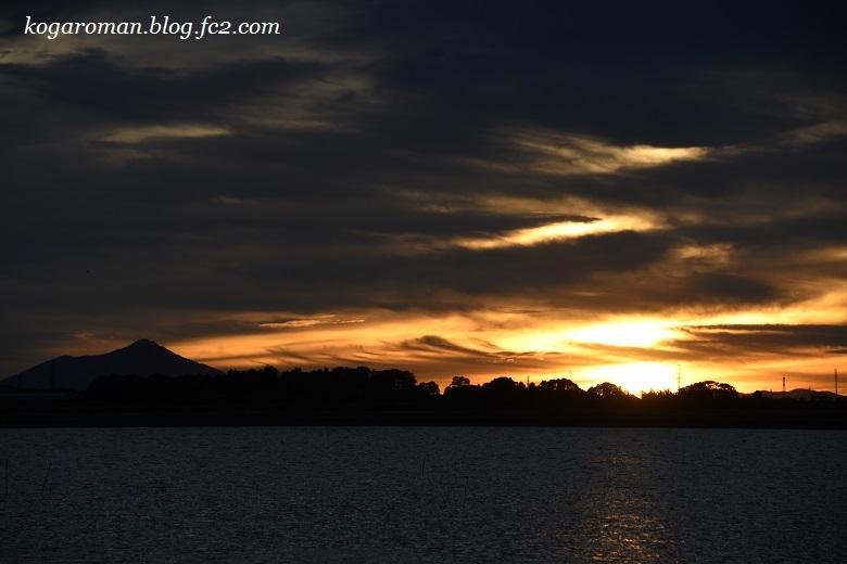 台風が去った谷中湖の朝