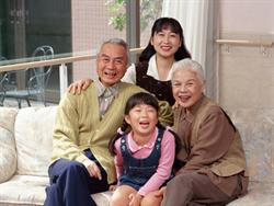 lk117_family_r.png