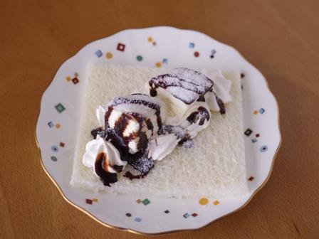 市販のアイスとクリームでチョコデザートサンドシナイッチ01