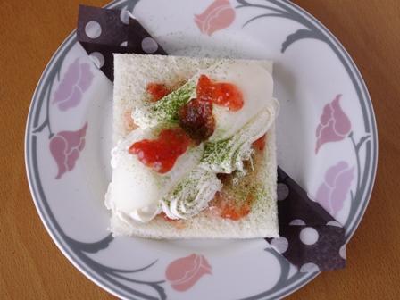 市販のアイスといちごジャムで春デザートサンドシナイッチ01