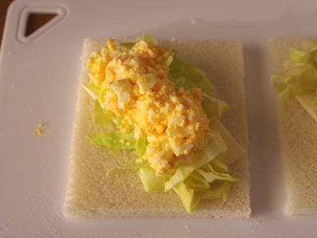 サンドシナイッチ02タマゴサラダと春キャベツa