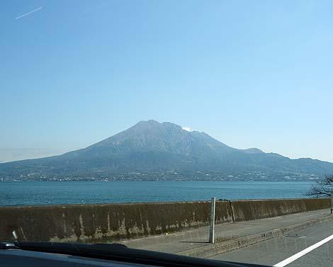 2015issyu323_04.jpg