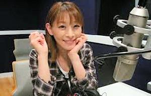 マイクの前の後藤邑子