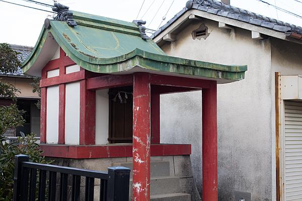 朱塗りコンクリート社