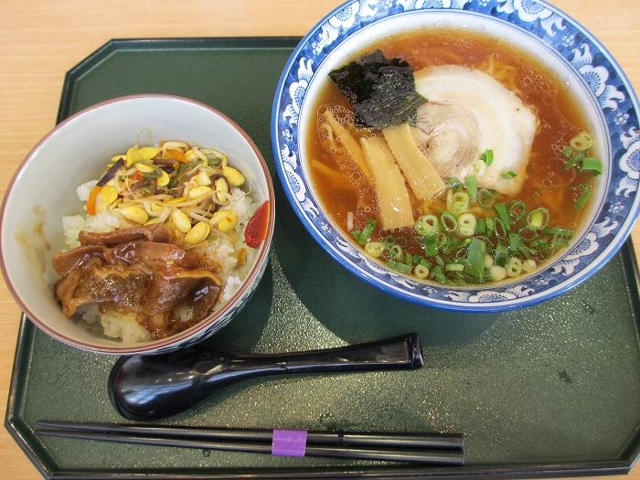 華 醤油ラーメン半カルビ丼セット
