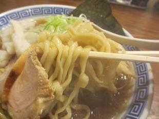 八チャンラーメン 中華ソバ並 麺