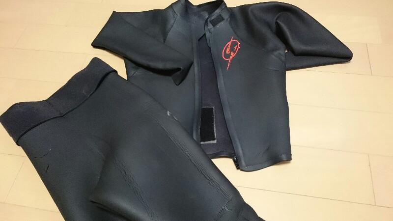 ウェットスーツの傷みチェックと補修