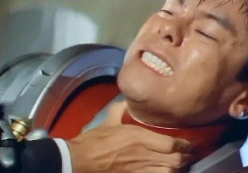 メタル ヒーロー エクシードラフト レッダー やられ ピンチ 敗北