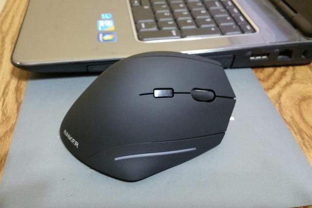 Anker_Ergonomic_Wireless_Vertical_Mouse_01.jpg