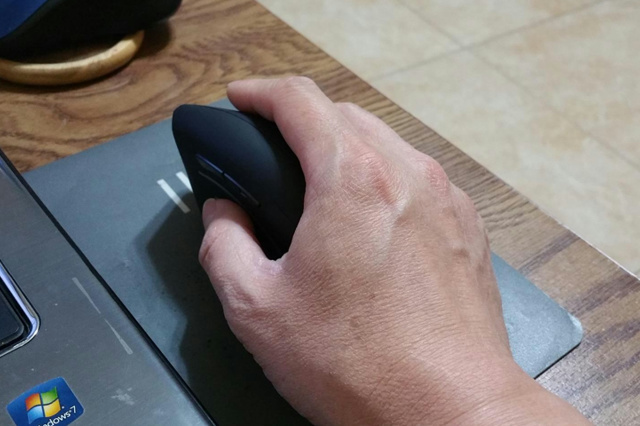 Anker_Ergonomic_Wireless_Vertical_Mouse_06.jpg