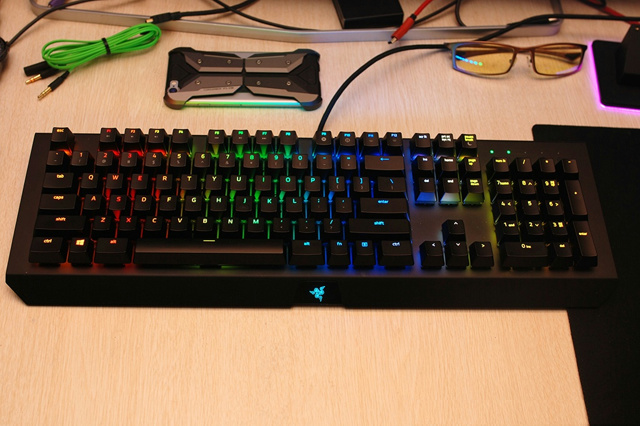 BlackWidow_X_Chroma_01.jpg