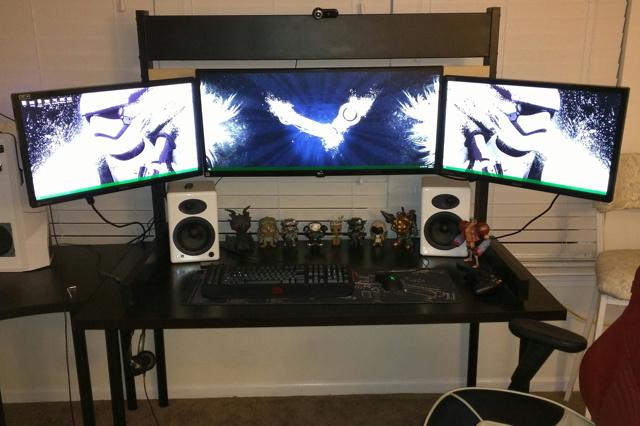 PC_Desk_UltlaWideMonitor09_11.jpg