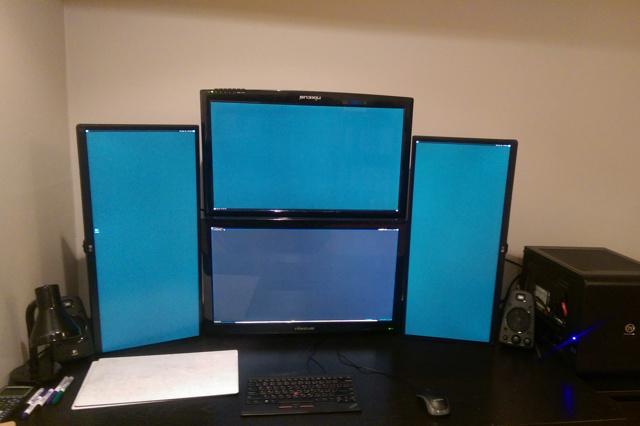 PC_Desk_UltlaWideMonitor09_17.jpg