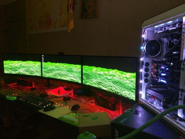 PC_Desk_UltlaWideMonitor09_37.jpg
