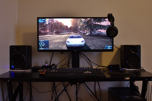 PC_Desk_UltlaWideMonitor09_43.jpg