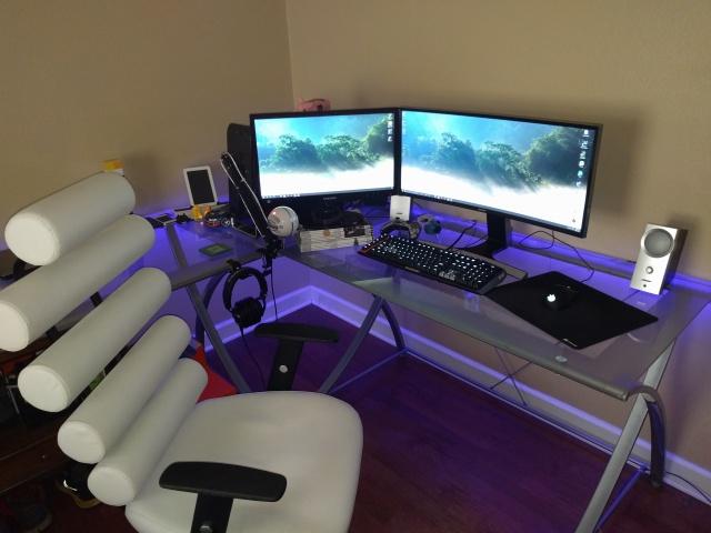 PC_Desk_UltlaWideMonitor09_44.jpg