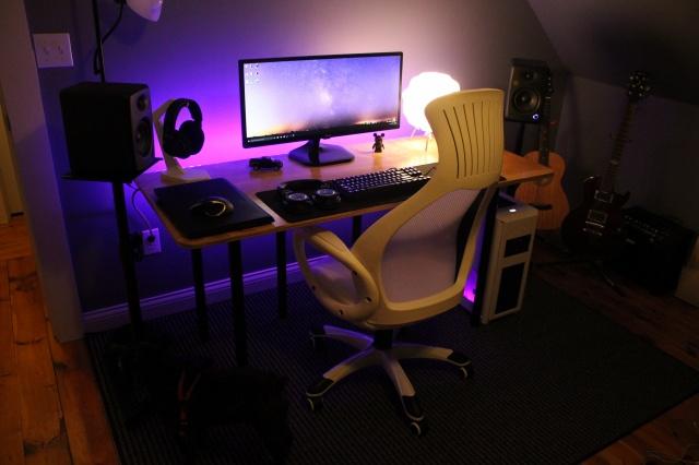 PC_Desk_UltlaWideMonitor09_46.jpg
