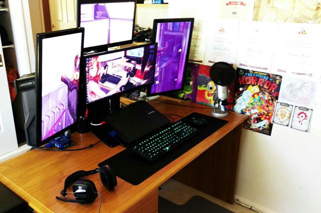 PC_Desk_UltlaWideMonitor09_49.jpg