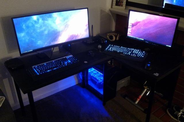 PC_Desk_UltlaWideMonitor09_50.jpg