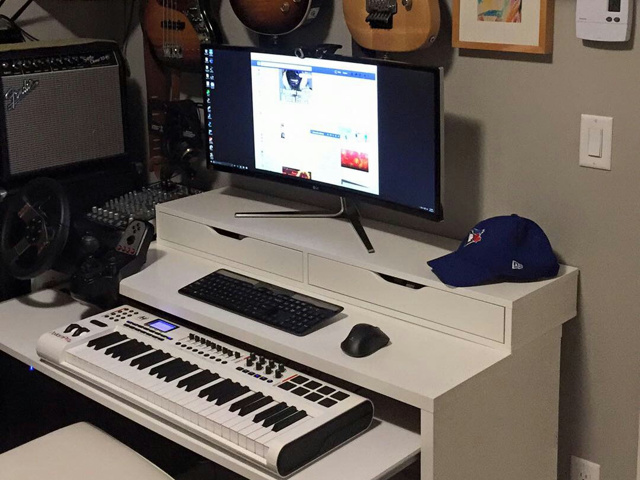 PC_Desk_UltlaWideMonitor09_67.jpg