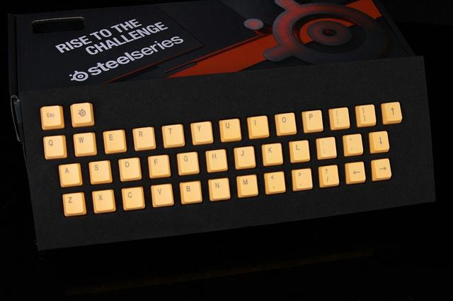 SteelSeris_PBT_Keycap_01.jpg