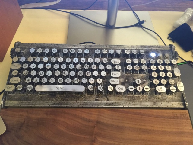 The_Machinist_Keyboard_01.jpg