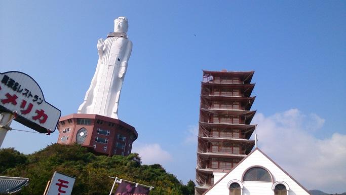 淡路島に巨大仏像1
